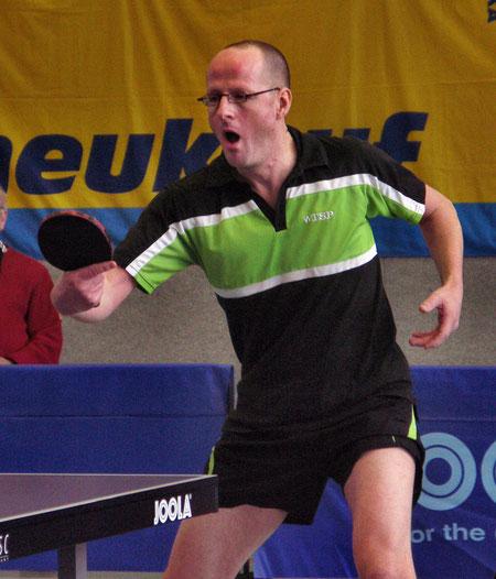 Christian (hier im Halbfinale gegen Tobias Hapke) bezwang Mathias Wähner im Viertelfinale (Foto: Siegfried Wellmann)