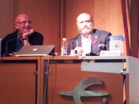 El Dr. Víctor Rubio me acompaño en la presentación.