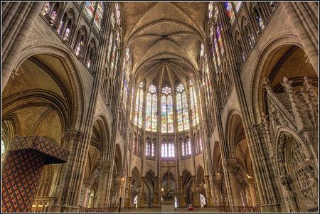 Saint Denis, cabecera