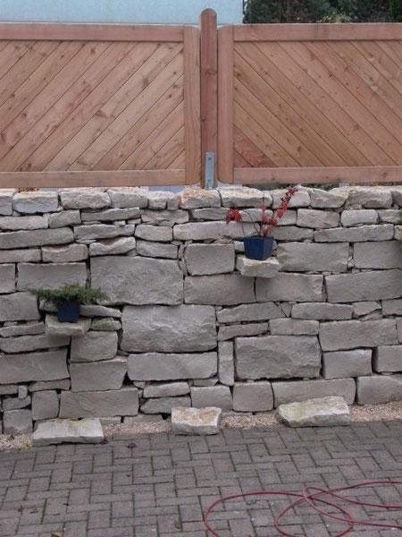 natursteinmauern und treppen schorno gartenbau pflege. Black Bedroom Furniture Sets. Home Design Ideas