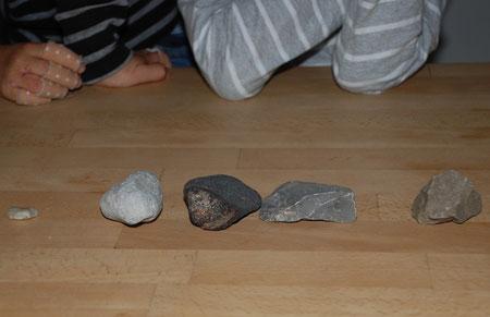 5 Steine nach Gewicht sortiert