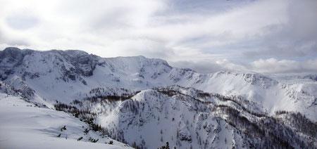 ... am Gipfelplateau wunderschöner Ausblick zum Schrockengrat ...