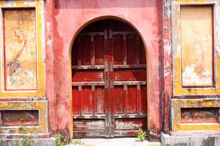 Hinter diesen Türen werden Märchen war