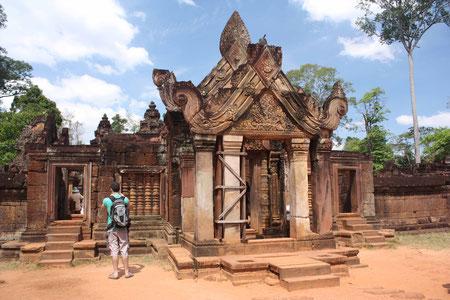 Das Eingangstor von Banteay Srei