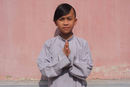 Junger Mönch in der Thien-Mu-Pagode