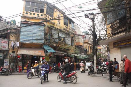 Straßenleben in Hanoi