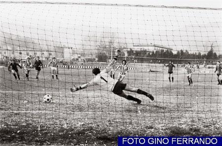 83': Zunino infila Di Vincenzo e pareggia i conti