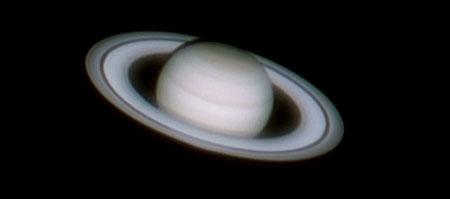Les anneaux de Saturne sont probablement l'un des plus beaux spectacles qu'on puisse voir dans le ciel