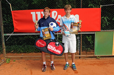 Sieger U 16 - Ferdi Feith und Finalist Nils Gleim von li