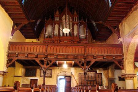 Turmseite mit Orgelempore
