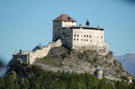 Schloss Tarasp von hinten