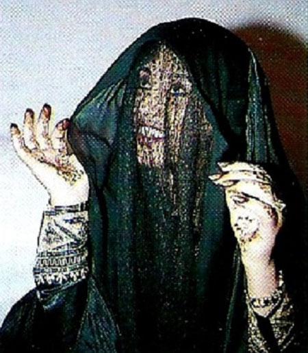 PREMIERE FEMME ARABE PILOTE en 1985. C* Alain CHENEVIERE.