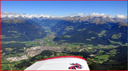 Von Kronplatz aus die Stadt Bruneck und die Zillertaler Alpen, 2010