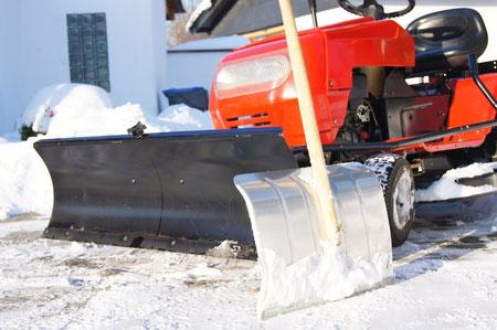 Winterdienst Hausmeisterservice Schnee räumen