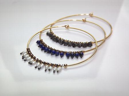パール ・ ラピスラズリは各 ¥56,000    ブラックダイヤモンド ¥62,000      (フープ直径4cm)