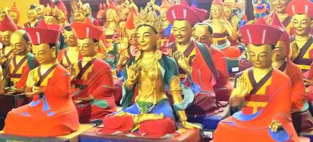 Lama Lakhang, le Temple des 270 Statues de Maîtres