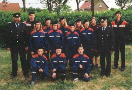 Die Jugendfeuerwehr von Plötzin am 19.05.2000