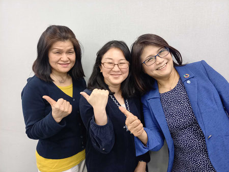 写真左から:久保(共同代表)、塚本(事務局長)、吉田(共同代表)