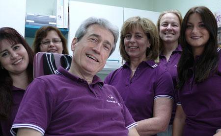 Das Team der Zahnarztpraxis Dr. Ralf Jörges in Weilmünster