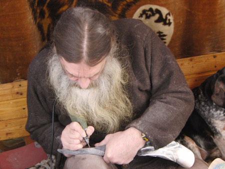 Der Künstler bei seiner Arbeit