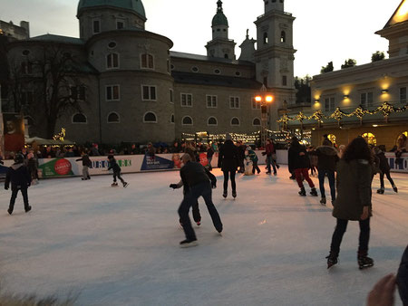 Treml Punsch Eislaufplatz am Mozartplatz