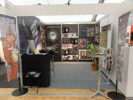 Fertiger Lockedesign-Stand