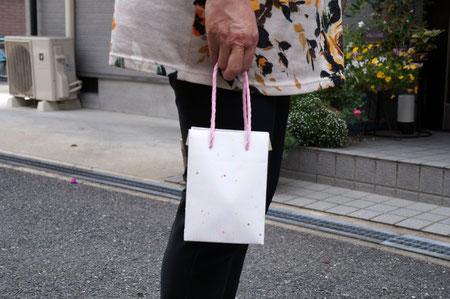 機械漉きの和紙を使用した手仕事の紙袋小袋