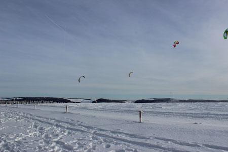 """"""" Paragliding """"  auf der Wasserkuppe ( 950m - höchster Berg der Rhön )"""