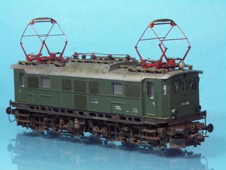 ROCO E44.5 mit verbesserter Dachausrüstung