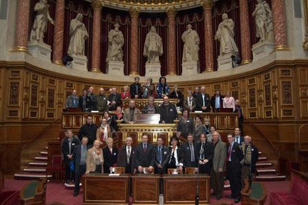 une chance: nous avons pu disposer de l'hémicycle du Sénat pour une démonstration pratique du débat parlementaire à laquelle chacun a pu participer.