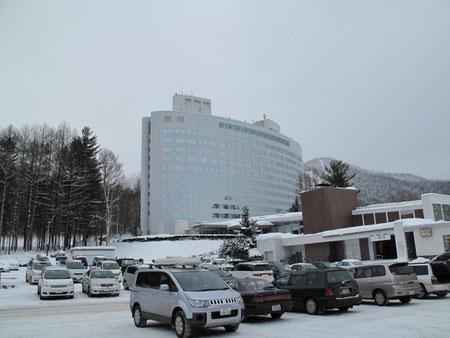 新富良野プリンスホテル 隣はスキー場。向かいはニングルテラス。今回はニングルテラスに来た。