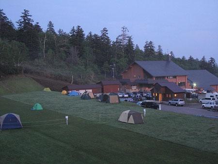 隣接してキャンプ場あり