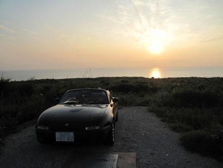 18:12 石狩国道のどこかで・・夕陽が綺麗だった。。