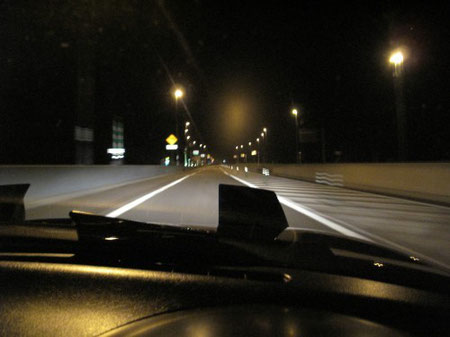0:07 闇の中を走る 孤独感が気持ち良い