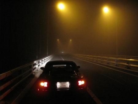 8月8日2:06  室蘭白鳥大橋。残念ながら濃霧