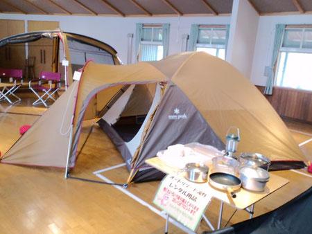 Snow Peakのテントが展示してあったり・・