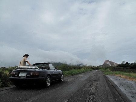 昭和新山と私とロードスター。
