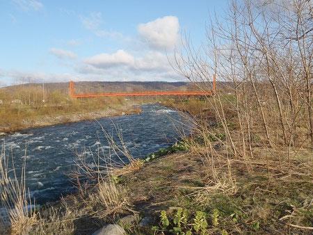 キャンプ場の隣を流れる暑寒別川