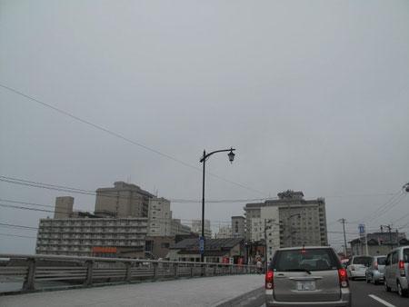10:00 函館湯の川  遂に函館に到着す。何だか凄い渋滞だ。