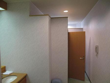 センターハウスにはシャワーもあります。 完全個室で荷物を持って入れます。(5分100円)