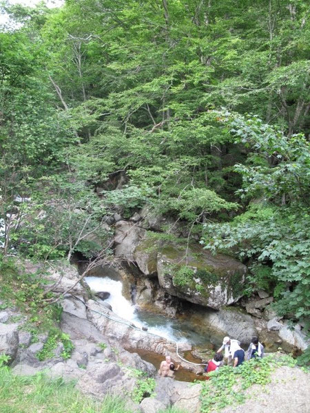 16:37 熊石 平田内熊の湯 渓谷の中の秘湯。詳しくは温泉のページで。