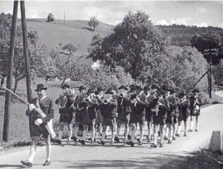 Aufmarsch in der Radegunderstraße im Jahr 1962