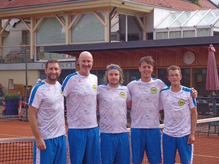 Unsere fünf Musketiere: Patrick, Adam, Manuel, Martin und Stefan