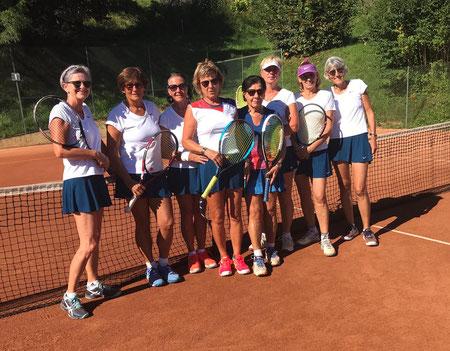 Barbara, Ingrid, Burgi, Christa, Klara, Christine, Karoline und Francoise