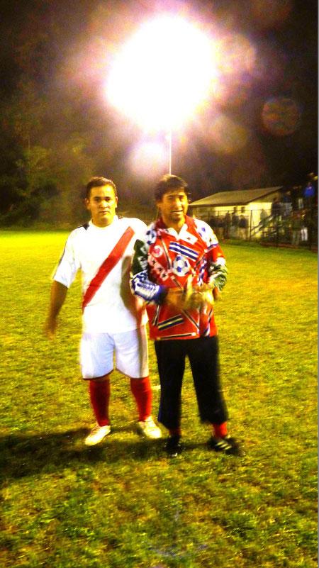 Cesar Gonzalez  y Lucho Gonzalez, Celebrando EL segundo lugar