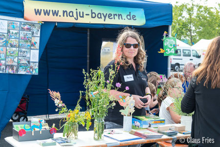Meike Kempermann mit Blumen