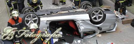 14.09.2011 - HH/Barmbek: PKW durchbricht Parkhauswand