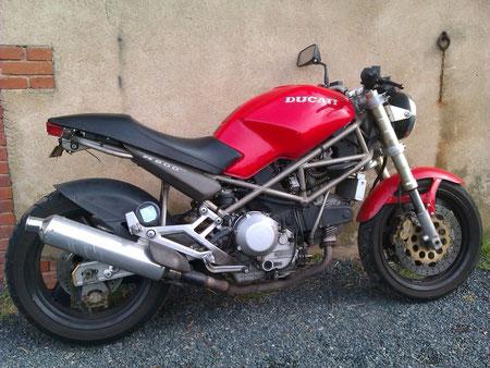 Ducati 900 Monstro