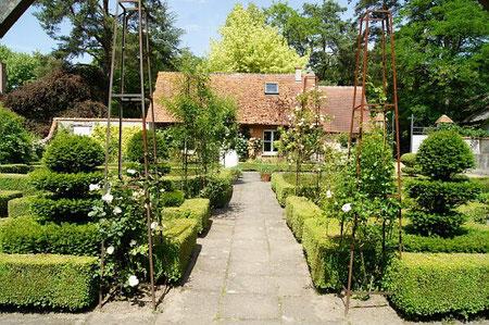 Jardin à la Française à l'Arboretum des Grandes Bruyères