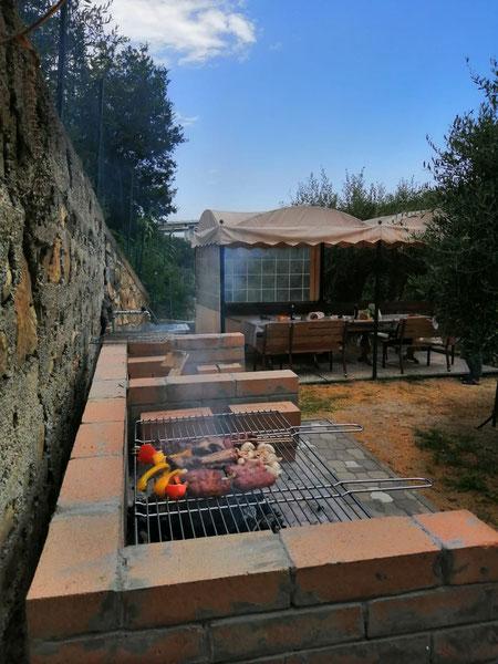 Zona pic-nic con barbecue